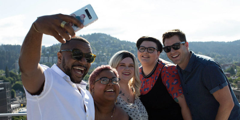 News Selfie Wrist Fatured
