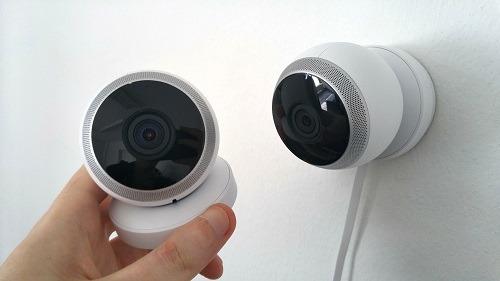 يشير إلى أن نظام الأمان الذكي الخاص بك قد تم اختراق موقع الكاميرا
