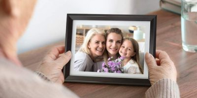 Deal Dragon Touch Picture Frame Featured