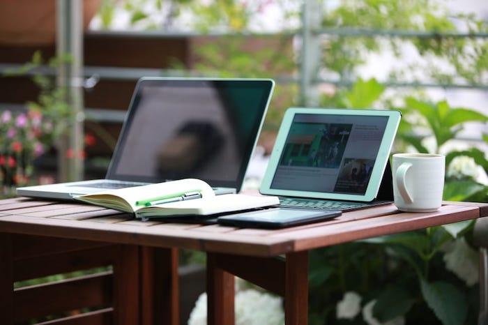 Choose Ipad Macbook Image