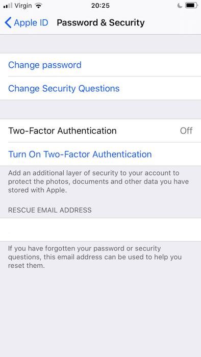إذا لم تكن قد قمت بذلك بالفعل ، فستحتاج إلى إعداد المصادقة الثنائية في تطبيق إعدادات iOS.