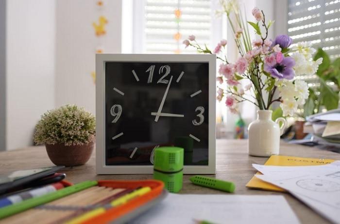 Google सहायक पारिवारिक बेल फीचर स्कूल समय का उपयोग कैसे करें