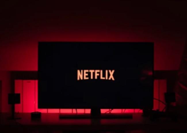 كيفية مشاهدة Netflix على Nest Hub Netflix المدعومة