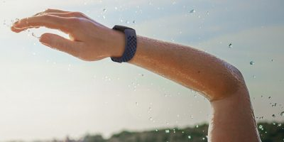 Deal Fitbit Charge 4 Featured