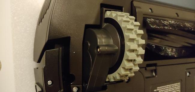 Moosoo Mt 720 Robot Vacuum Cleaner Review Wheel