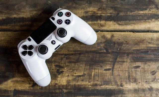 أفضل أجهزة تحكم Ios للألعاب PS4