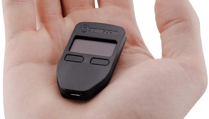 أجهزة المحفظة تريزور