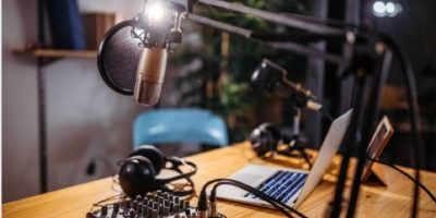 Featured Image Connect External Microphone Windows10